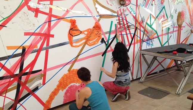 Mural Sesc São Carlos... Mari Zanetti y Laura Teixeira en acción